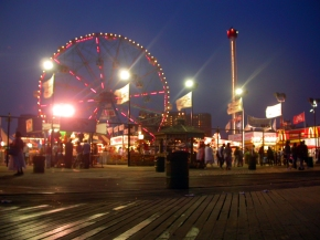 At-Night-Time-coney-island-30740740-1600-1200